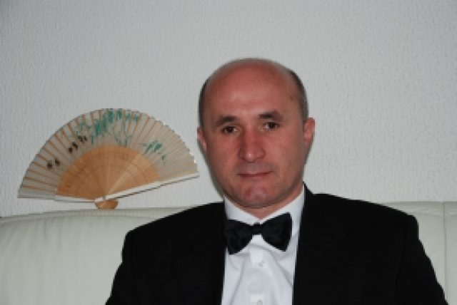 Andrej Ažman, a tenor and therapeutic singer